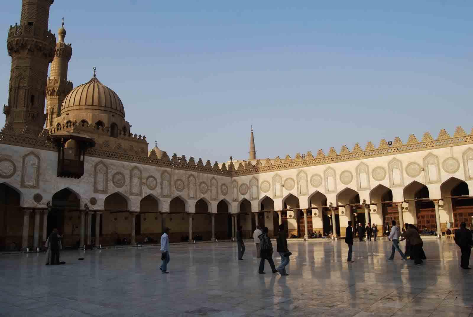 amr ibn el aas mosque in cairo