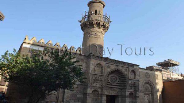 El Moez street photography tour