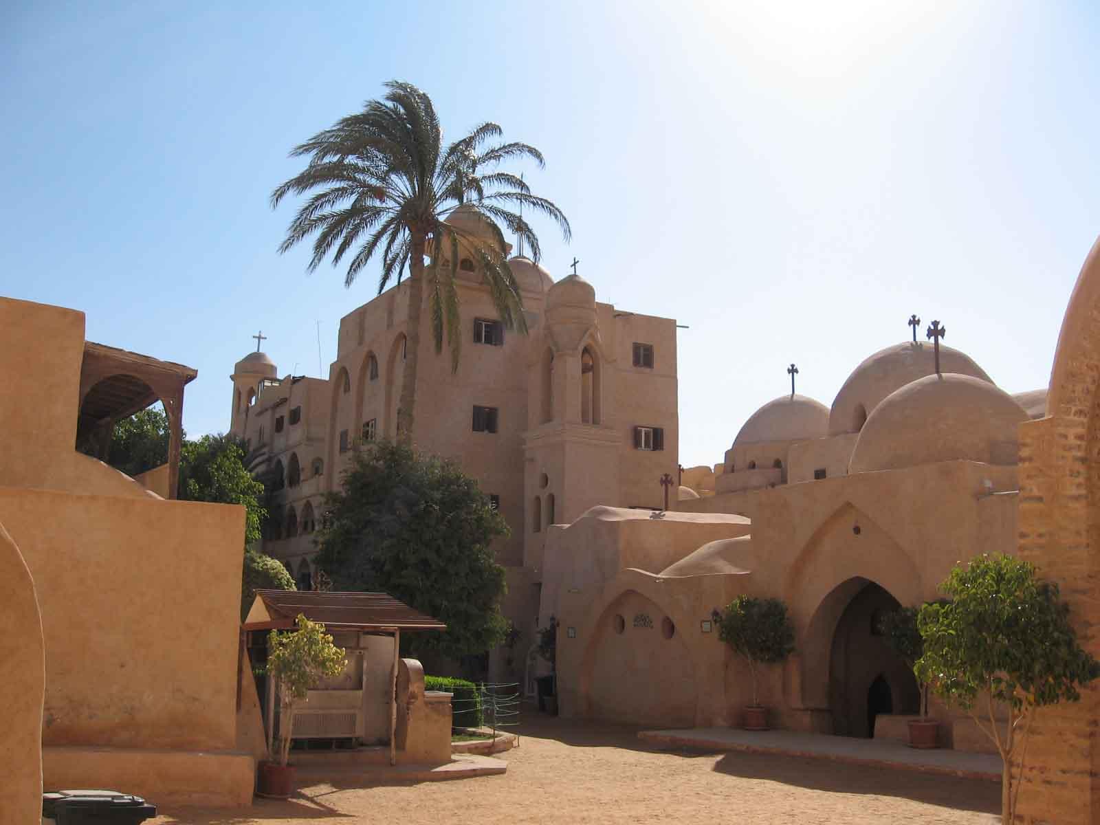 Deir as Suriani - Wadi Elnatrun