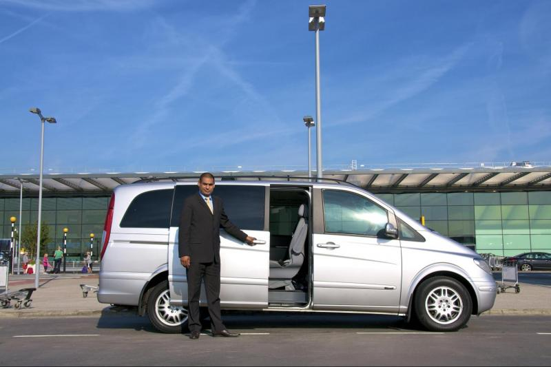 cheap airport transfers from cairo airport